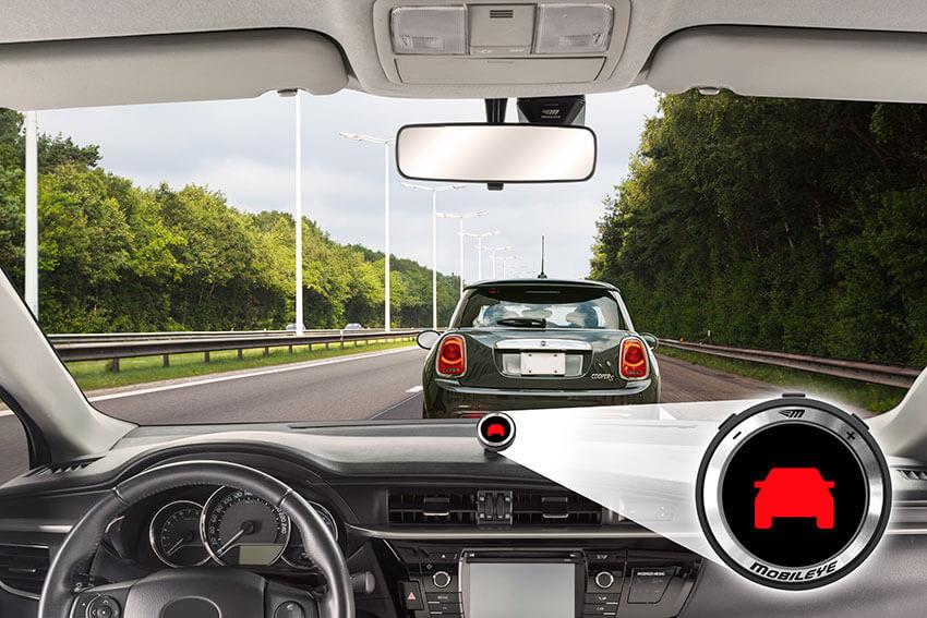 התרעה מפני התנגשות ברכב שמלפנים