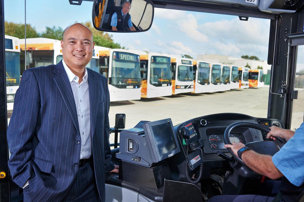 """ניק יאק מנכ""""ל CDC חברת האוטובוסים באוסטרליה"""